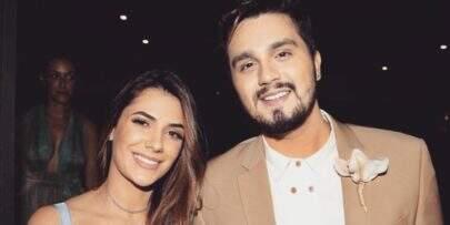 Fã de Luan Santana insinua que cantor paga a namorada e leva resposta