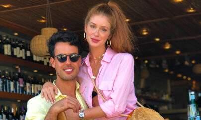 Marina Ruy Barbosa arrasa nas fotos com o marido na Grécia