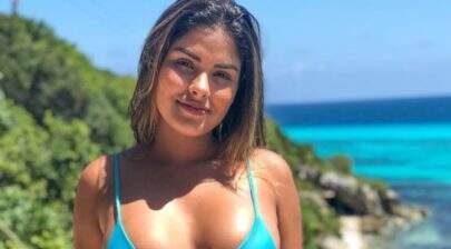 Em Cancún, Munik Nunes posa de biquíni e internautas apontam uso de Photoshop