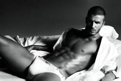 Volume? David Beckham usou meias na cueca em foto de anuncio