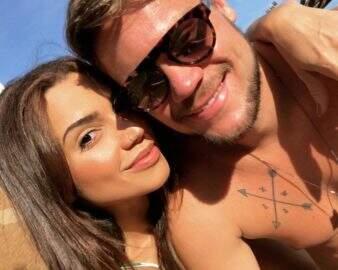 """Driblando a distância, ex-BBB Paula Amorim se declara para Breno: """"Saudades"""""""