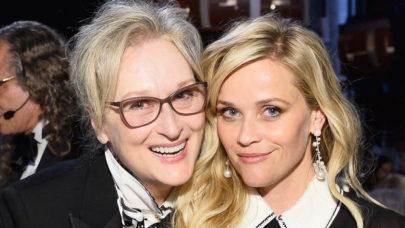 Reese Witherspoon aparece jogando sorvete em Meryl Streep nos bastidores de série