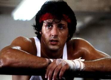 Rocky Balboa é homenageado por Conselho Mundial de Boxe e ganha cinturão