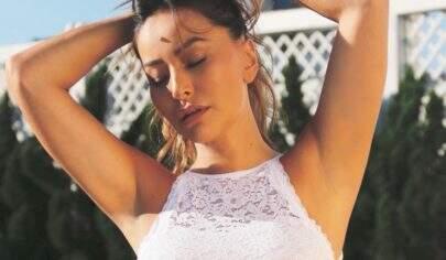 Sabrina Sato comemora 27 semanas de gestação com foto de lingerie branca