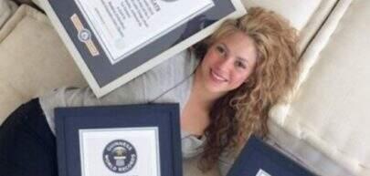 Shakira comemora seu 4º recorde no Guinness Book
