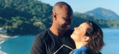 """Thiaguinho revela que deu primeiro beijo aos 18 anos: """"Sempre fui muito tímido"""""""