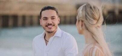 """Wesley Safadão celebra bodas de algodão com Thyane Dantas e declara: """"Casamento blindado"""""""