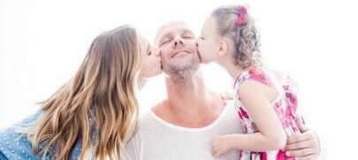 """Recém separada, Sheila Mello homenageia Xuxa: """"Pai que eu sonhava para minha filha"""""""
