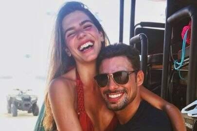 Cauã Reymond curte foto da ex, Mariana Goldfarb nua
