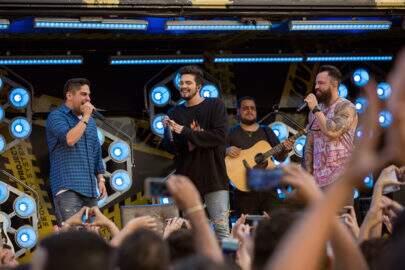 """Em parceria com Jorge & Mateus, Luan Santana lança hit """"Sofazinho"""""""