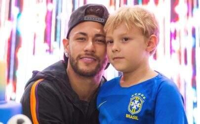 Neymar mostra Davi Lucca comemorando gol e encanta