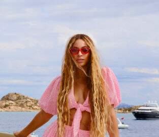 Beyoncé faz 'textão' e posta clique íntimo de sua festa de aniversário