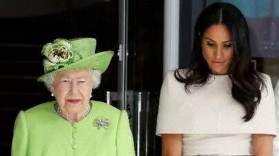 Rainha Elizabeth teria obrigado Meghan Markle a fazer teste de fertilidade antes do casamento