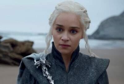 "Emilia Clarke fala sobre arrependimento que teve durante ""Game of Thrones"""