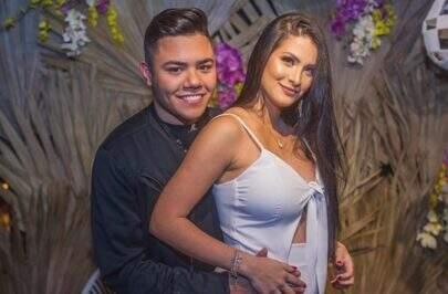 Felipe Araújo revela que não está junto com a mãe de seu filho