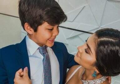 Após polêmica com Thyane Dantas, Mileide Mihaile posta foto ao lado do filho e se declara