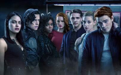 """Showrunner mostra criatura sombria que vai aterrorizar a nova temporada de """"Riverdale"""""""