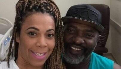 """Viúva de Mr. Catra desabafa após a morte do funkeiro: """"Me vejo em total desespero"""""""