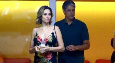 Com casamento marcado, William Bonner passeia com noiva, filho e nora em shopping no Rio