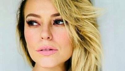 """Paolla Oliveira faz carão e dispara: """"Meu momento Beyonce"""""""