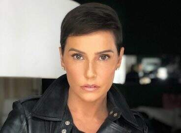 Deborah Secco revela como escondeu o novo corte de cabelo por uma semana