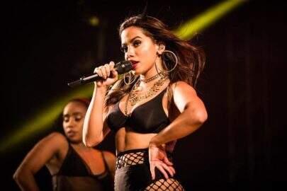 """Bissexual? Anitta abre o jogo sobre sua sexualidade: """"Não gosto de rótulos"""""""