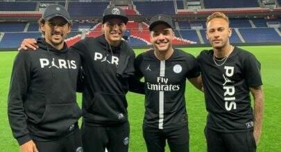 Wesley Safadão tieta Neymar durante estadia em Paris e faz pedido especial para o jogador