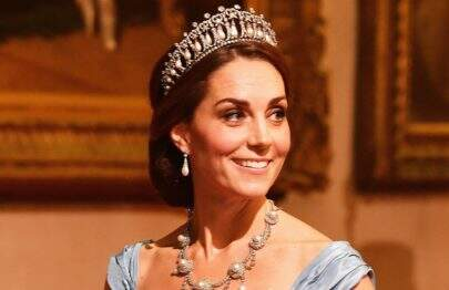 Kate Middleton usa famosa tiara da princesa Diana em evento