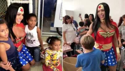 Gracyanne Barbosa vira Mulher Maravilha ao participar de festa em orfanato