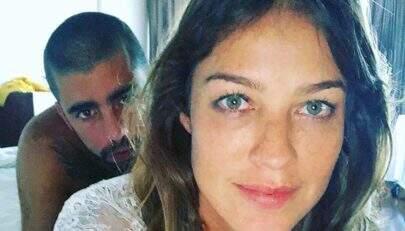 """Luana Piovani revela detalhes das """"festinhas no céu"""" com Pedro Scooby: """"Começo com lingerie"""""""