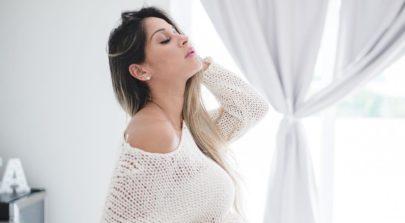 """Com 42 semanas de gestação, Mayra Cardi conta que a filha nasce até domingo: """"Escorpiana não"""""""
