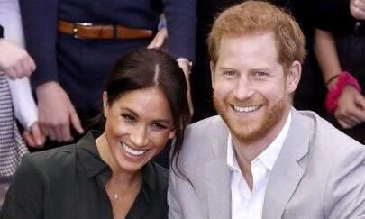 Meghan Markle e príncipe Harry anunciam que esperam o primeiro filho