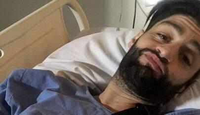 Munhoz, da dupla com Mariano, segue internado após infecção no cotovelo