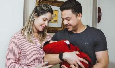 """Wesley Safadão lamenta saudade da família e do filho recém-nascido: """"É a base de tudo"""""""