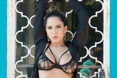 Comemorando 32 anos, Mulher Melão divulga foto nua em seu Instagram