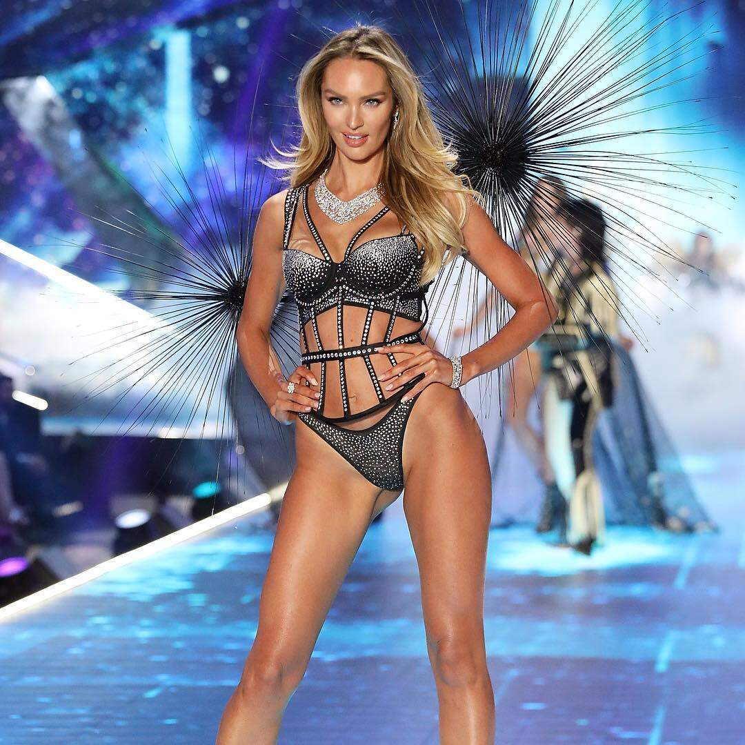 6b6de808f As angels chegaram! Vem ver os looks do Victoria Secrets Fashion ...