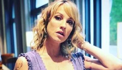 Aos 42 anos, Luana Piovani faz selfie totalmente nua e mostra boa forma