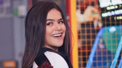 """Maisa Silva aparece sem dente em cartaz de ônibus e reage: """"Eu deveria tá brava"""""""