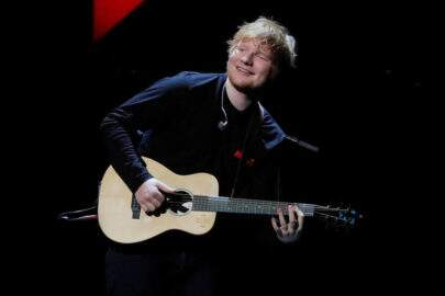"""Shape of You"", de Ed Sheeran, bate recorde histórico"