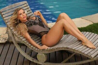 Noiva de Latino divide opiniões ao falar sobre preconceito que mulheres bonitas sofrem