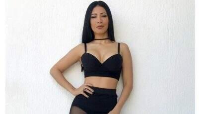 Em vídeo sensual, Simaria mostra lingerie que vai usar no ano novo