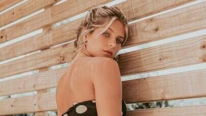 "Isabella Santoni exibe bumbum em Noronha e arranca suspiros: ""Zero defeitos"""