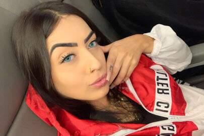"MC Mirella sensualiza no Instagram e dispara: ""Me dá uns tapa na bunda"""