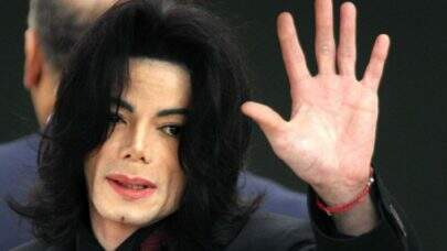 Restos mortais de Michael Jackson podem ser analisados para provar abusos sexuais