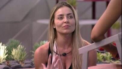 Paula será intimada a depor na Delegacia de Crimes Raciais ao sair do BBB19