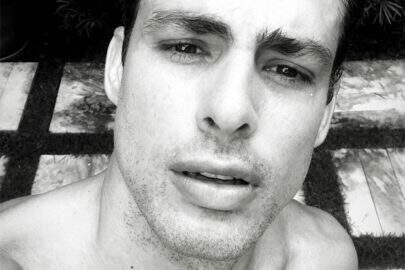 Cauã Reymond conquista mais de 200 mil curtidas em foto sem barba