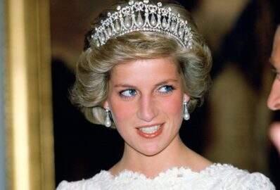 """Família real se preocupa com personagem de princesa Diana em """"The Crown"""""""