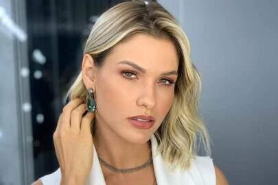 "Andressa Suita posta foto sexy e Gusttavo Lima reage: ""Gatinha do papai"""