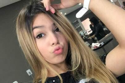 """Aos 12 anos, Melody volta a polemizar em foto no Instagram: """"Pra que empinar?"""""""