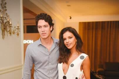 Mariana Rios deleta fotos com noivo e aparece sem aliança